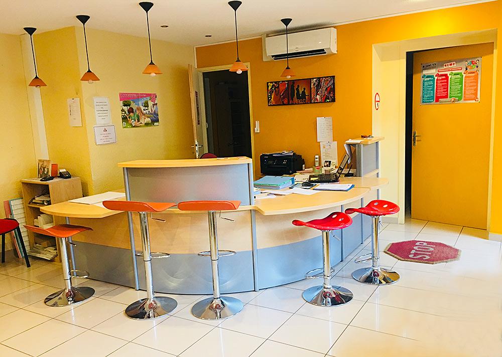 pr sentation ecole de conduite let ve montlu on. Black Bedroom Furniture Sets. Home Design Ideas